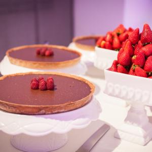 süße Versuchungen mit Schokolade und Erdbeeren